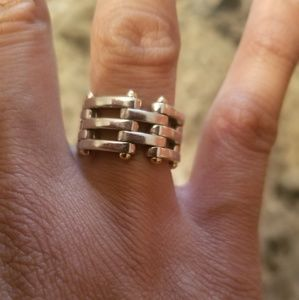 BUY NOW ONLY Tiffany&Co chain ring